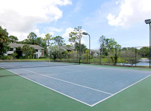 Daytona Beach housing for international flight students - Tennis Court