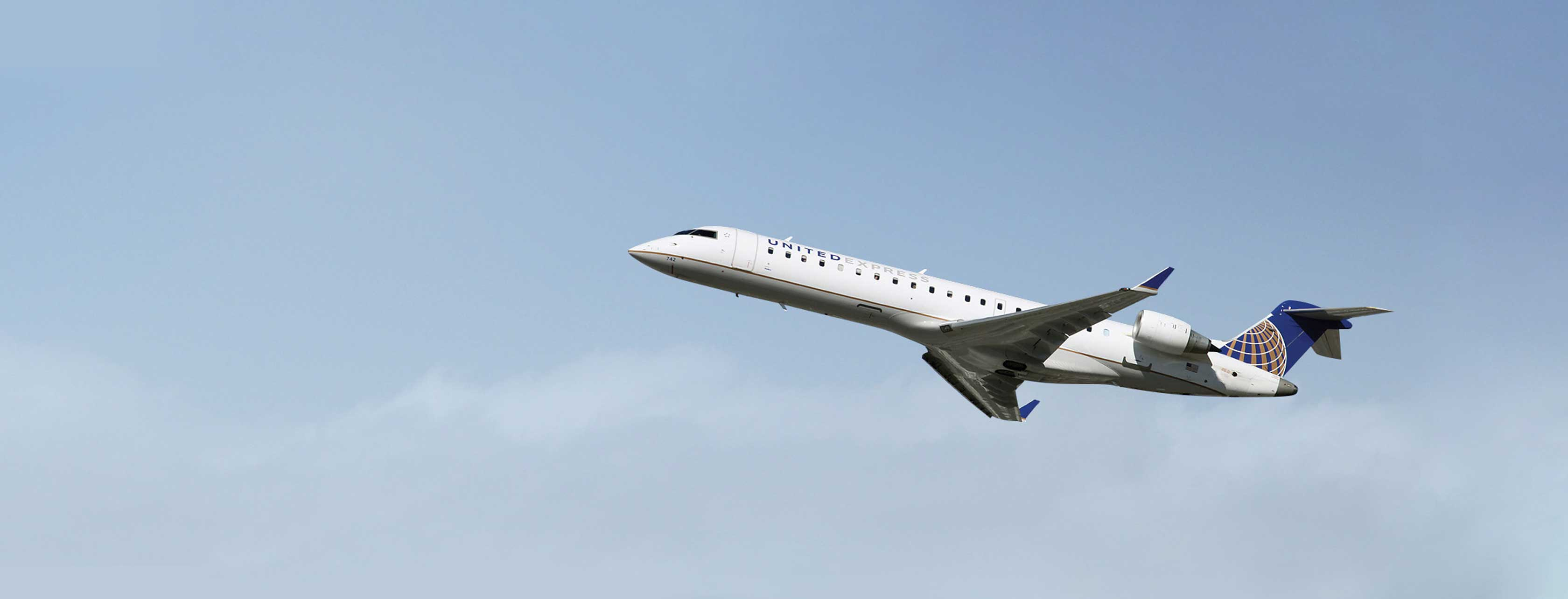 United CRJ flying